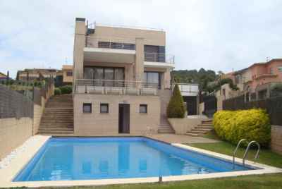3 story house near the sea in Costa Brava